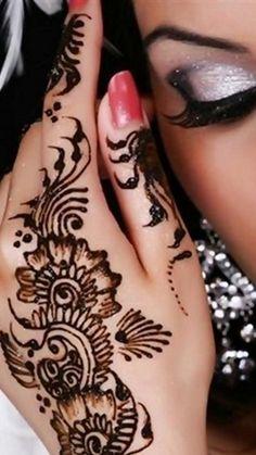 Henna # Mhendi this is so lush