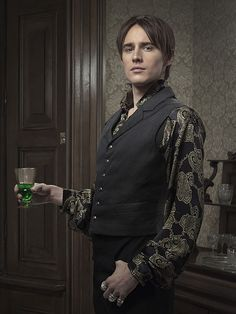 Reeve Carney as Dorian Gray in Penny Dreadful (Courtesy of SHOWTIME) Penny Dreadful Season 2, Alexandra Martin, Penny Dreadfull, Dorian Gray, Losing Her, Good Thoughts, Frankenstein, Beautiful People, Tv Shows