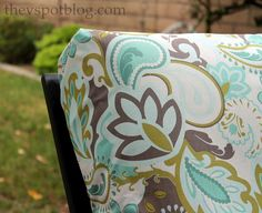 The V Spot: No Sew Project: How to recover your outdoor cushions using fabric and a glue gun.