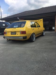 Drag Cars, Dream Garage, Mazda, Cars And Motorcycles, Classic Cars, Hatchbacks, Rotary, Motorbikes, Building
