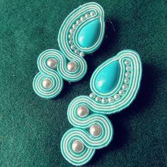 #soutache #soutachemania #soutachejewelry #handmade #soutacheearrings #earrings #handmadeearrings #madeinitaly #jewelry #bijoux #bijouxhandmade #orecchini #fattoamano