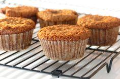 Muffins au quinoa soufflé et aux flocons d'avoine sans farine Muffins Au Quinoa, Quinoa Soufflé, Biscuits, Keto, Breakfast, Cake, Desserts, Food, Pains