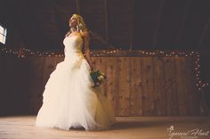 Bride, Barn, Wedding, bouquet, photography  © Sparrow Heart Photography  Pittsburgh, PA