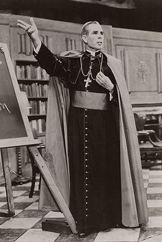 Road to sainthood: Interest in Archbishop Fulton Sheen remains strong - Catholic Courier Catholic Priest, Catholic Saints, Roman Catholic, Pope Pius Ix, Fulton Sheen, Foto Real, Church History, Christianity, Poses