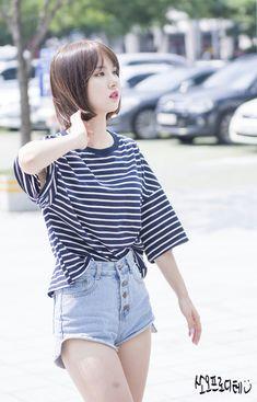 ʚ pin - lloverrose ɞ Kpop Girl Groups, Korean Girl Groups, Kpop Girls, Kpop Fashion, Korean Fashion, G Friend, Beautiful Asian Girls, Ulzzang Girl, Sergio Rossi