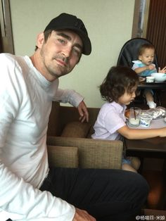 #LeePace.....breakfast before Comicon at Guangzhou, May 30/15