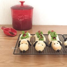 Snoopy hot dogs by * umi (@umi0407)