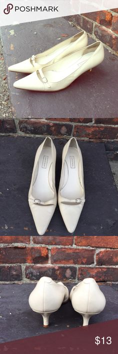 Nordstrom Cream Pointed Toe Mini Heels Genuine Leather Upper, Leather Sole pointed toe heels. Comfortable and Perfect for the Office. Nordstrom Shoes Heels