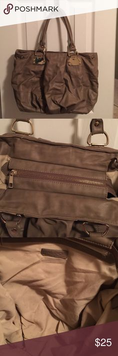 Aldo Taupe Hand Bag Large handbag. 16.5 length, 10.5 height, 19 inch height that include handles. Aldo Bags
