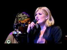 ▶ Marianne Faithfull - Interview/The Ballad of Lucy Jordan (TV5Monde 2004) - YouTube