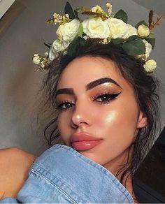Bronze makeup! @elziva_makeup . . . . . . . . . . . . hoola #benefit #danielwellington #rosegold #blonde #blondehair #followme #follow #instagood #instadaily #weekend #beautiful #powder #face #pink #lips #picoftheday #me #cosmetics #makeup #cute #paese #risepowder #selfie #selfiemania #beauty #cosmetic #instamakeup #glitter #eyeshadow http://ameritrustshield.com/ipost/1543511958207205826/?code=BVrp_K3ghHC