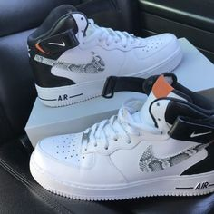 Sneakers Fashion, Sneakers Nike, White Sneakers, Nike Shoes Air Force, Jordan Shoes Girls, Nike Shoes Outfits, Work Outfits, Fresh Shoes, Hype Shoes