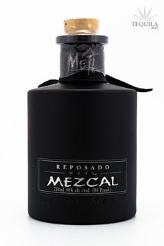 Metl Mezcal Alcohol Bottles, Liquor Bottles, Perfume Bottles, Best Tasting Liquor, Mezcal Brands, Fun Drinks, Alcoholic Drinks, Rum Bottle, Jars