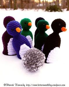 Penguin Bowling Pins - Using this amazing free crochet pattern you can make your child these Penguin Bowling Pins so she can play her own game of bowling. This is an adorable idea and she won't get hurt. Make your child's new toy the talk of the town!