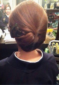 抱き合わせ Bun Hairstyles, Wedding Hairstyles, Up Styles, Long Hair Styles, Hair Arrange, Hair Setting, Japanese Hairstyle, Hair Reference, Hair Ornaments
