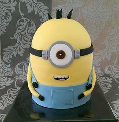 Minion Cake - AMAZING!!