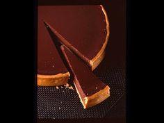 La tarte au chocolat - YouTube Chocolat Gianduja, French Food, Chocolate, Bakery, French Recipes, Chefs, Cooking, Pastries, Sweet