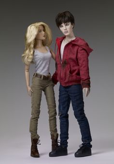 http://zombobszombiemoviereviews.blogspot.com/2013/02/tonner-doll-company-takes-bite-out-of.html