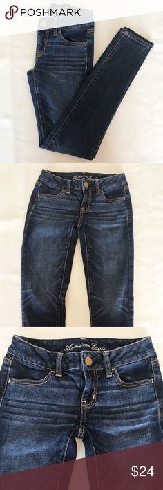"American Eagle Super Stretch Jegging Blue Denim 0 American Eagle Super Stretch Jegging Blue Denim in size 0. Great condition, like new. Inseam is 28"" American Eagle Outfitters Jeans Skinny"