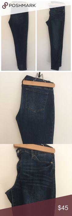 Banana Republic | Skinny Jeans Medium Wash The perfect skinny jeans from Banana Republic. Medium wash, 5 pocket denim. Soft feel, button closure. No flaws! Fits true to size. Banana Republic Jeans Skinny