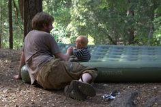 what is a toddler air mattress?  Get to know about it here. #babycampingbed #toddlerairmattress