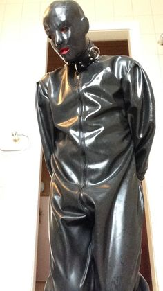 Latex Men, Heavy Rubber, Sissy Maid, Leather Pants, Sisters, How To Wear, Jackets, Training, Outfits
