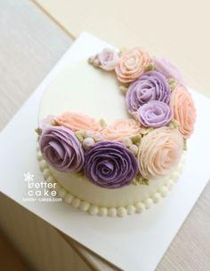 [베러케익 정규클래스 후기] 핑크 & 보라 버터크림플라워케익 - 공덕마포케이크/베이킹클래스 : 네이버 블로그