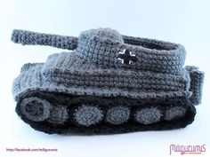 very sought after pattern your slipper collection isn't complete without this one Miligurumis- Panzer (Tank) Slippers! (TIGER I) - English Crochet Tank, Crochet Shoes, Crochet Slippers, Crochet Clothes, Knit Crochet, Crochet For Kids, Free Crochet, Crochet Crafts, Crochet Projects