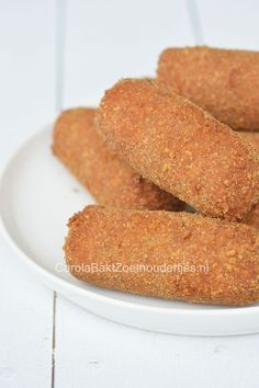 How to make these typical Dutch kroketten: championkroket Dutch Recipes, Cooking Recipes, Breakfast Lunch Dinner, Lunch Snacks, Appetisers, Vegas, Love Food, Food To Make, Food And Drink