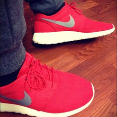Nike Roshe Run #nike #sneakers Nike Shoes Cheap, Nike Free Shoes, Mode Shoes, Women's Shoes, Mens Shoes Sale, Free Running Shoes, Nike Free Runners, Minimalist Shoes, Blue Sneakers