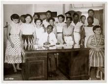 Afscheid van Suriname in 's Lands Hospitaal | IISH  Collectie van Driel-Sjiew -A -Joen