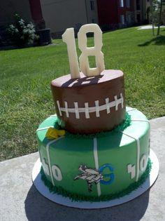 Birthday Football Cake - Birthday cake, Strawberry-lemonade cake with lemon custard and fresh strawberries. The logo is the High School team the birthday boy plays for. Mini Tortillas, Strawberry Lemonade Cake, 18th Cake, 18th Birthday Party, Birthday Ideas, Birthday Cakes, Sport Cakes, Bowl Cake, Cake & Co