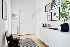 Scandinavian Apartment With a Very Friendly Design Scandinavian Apartment, Scandinavian Interior Design, Scandinavian Style, Interior Design Living Room, Small Hallways, Minimalist Design, Decoration, The Good Place, Sweet Home