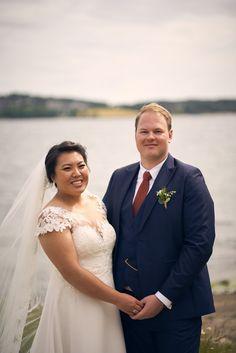 Se bildene fra Kamilla og Stefan sitt fantastiske bryllup! Studio Hodne - Bryllupsfotograf i Viken.  #bryllup #bryllupsfotograf #bryllupsfotografering Kirkenes, Lace Wedding, Wedding Dresses, Fashion, Creative, Pictures, Bride Dresses, Moda, Bridal Gowns