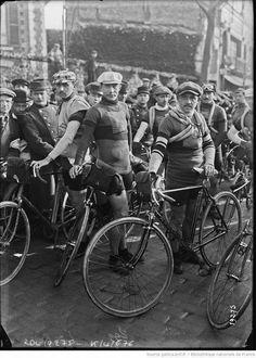 Valloton, Egg, Petit-Breton 24 marzo 1912, course Paris Tours [Photographie de presse / Agence Rol]