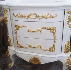 Altın Varak Komodin Gold#komidin #gold #masko #woodworking #içmimar #bedroom #ottoman #chair #furniture #turkey #dubai #like4like #ahşap #modoko #sofa #interiordesign #isaloni2016 #isaloni #mobilya #altın #model #likeforlike #dekorasyon #milanodesignweek #interiorarchitect #architecture #tasarim by mobilyacimstilisthome
