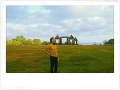 Ini baru salah satu tempat wisata keren di Indonesia, Candi Boko di Yogyakarta. Indonesia masih punya sejuta tempat wisata kece ! #PINdonesia #OndeMonday