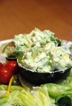 マヨネーズとお醤油で和えるだけの簡単サラダ。おしゃれな前菜としていただきたいですね。