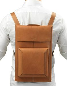 Soffio Squared backpack - clean lines, structured, minimalist http://www.soffioitaly.com/site/en/