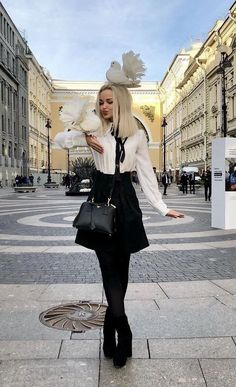 8 celebrities who are not afraid to wear the same clothes in public and we admire them - Best DIY and Crafts Ideas Fashion 90s, Fashion Outfits, Womens Fashion, Dove Cameron Style, Cameron Boyce, Dave Cameron, Vintage Outfits, Girl Crushes, Celebrity Style