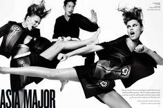 nice V Magazine # 82 | E ditorial Primavera 2013 | Bianca Balti, Liu Wen e mais por Mario Testino