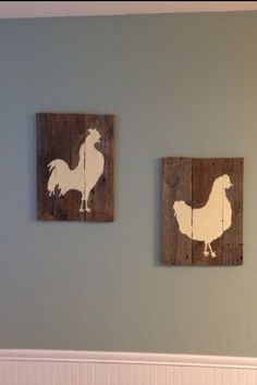 Pallet wall art chickens