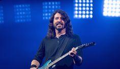 Альбом Foo Fighters Concrete And Gold возглавил чарт Billboard 200 - http://rockcult.ru/news/foo-fighters-concrete-and-gold-topped-billboard-200/