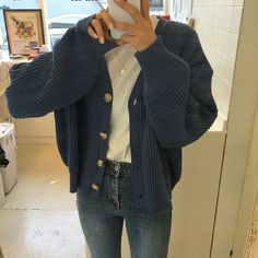 discover our streetwear chest bag streetwear highsnobiety fashion street styles urban aesthetic outfits men women sneakers hypebeast Winter Outfits For Teen Girls, Fall Winter Outfits, Winter Clothes, Spring Outfits, Look Fashion, Korean Fashion, Winter Fashion, 90s Fashion, Child Fashion