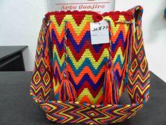 15 May 2018 Modelos de bolsos 50 Views 15 May 2018 Models of bags 50 Views Art Guajiro – Mochilas Wayuu, crafts from Colombia: Mochila Wayuu … Wayuu bags Handbag Patterns, Crochet Stitches, Art Images, Diaper Bag, Create Your Own, Hand Weaving, Tapestry, Blanket, Knitting