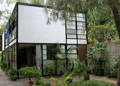 Eames House, Case Study House No. Pacific Palisades, CA - Charles & Ray Eames Los Angeles Apartments, Los Angeles Homes, Charles Eames, H & M Home, Classic House, Historic Homes, Midcentury Modern, Exterior Design, House Tours
