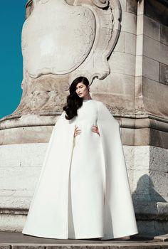 #Vestido de #novia para #editorial en Harpers Bazaar US | #wedding #dress   ♥♥ miBoda ♥♥ ♥ para más información visita nuestro portal http://www.mibodabcn.com/ ♥