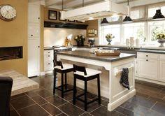 Project in Veenendaal; landelijke keuken met 5 cm dik terrazzo blad.