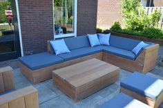Prachtige loungeset gemaakt van bankirai hout.