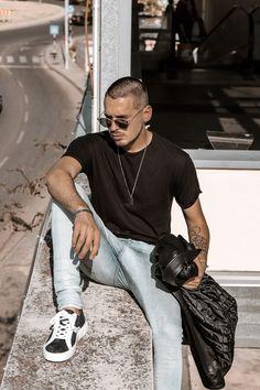 Black don't crack.😎 #eurekashoes #eurekalovers #madeinportugal #handmadeinportugal #handmadeshoes #instadaily #shoelover #shoeaddicts #shoegram #instafashion #picoftheday #fashionisfun #lifestyle #stylegoals #locallymade #localhandmade #manstyle #black
